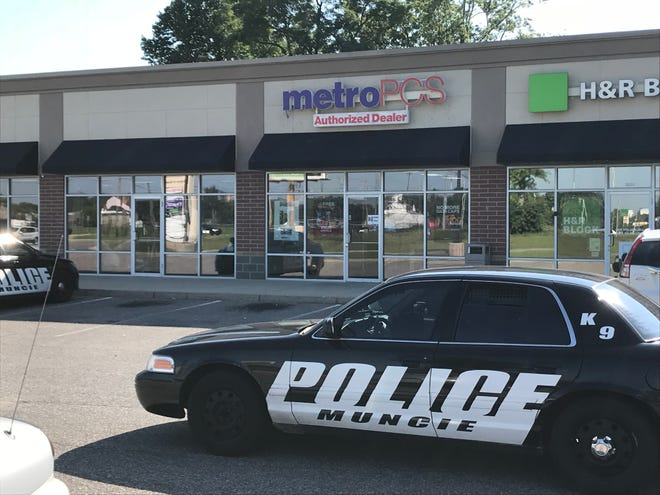 Muncie police on Thursday morning were searching for a bandit who held up the MetroPCS store in a southside shopping center.