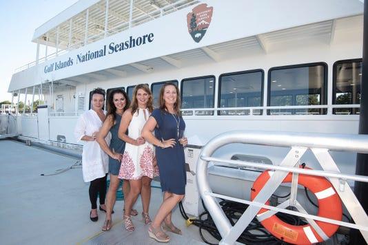 Girls Night Ferry 14
