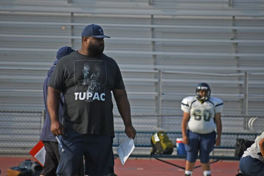 Two-time Pro Bowl NFL guard Carl Nicks has returned to his hometown to help former teammate Anthony Gonzalez in his first year as head coach at Everett Alvarez.