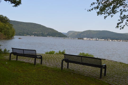 Across the street from Buchanan News is Lents Cove Park, along the Hudson River.