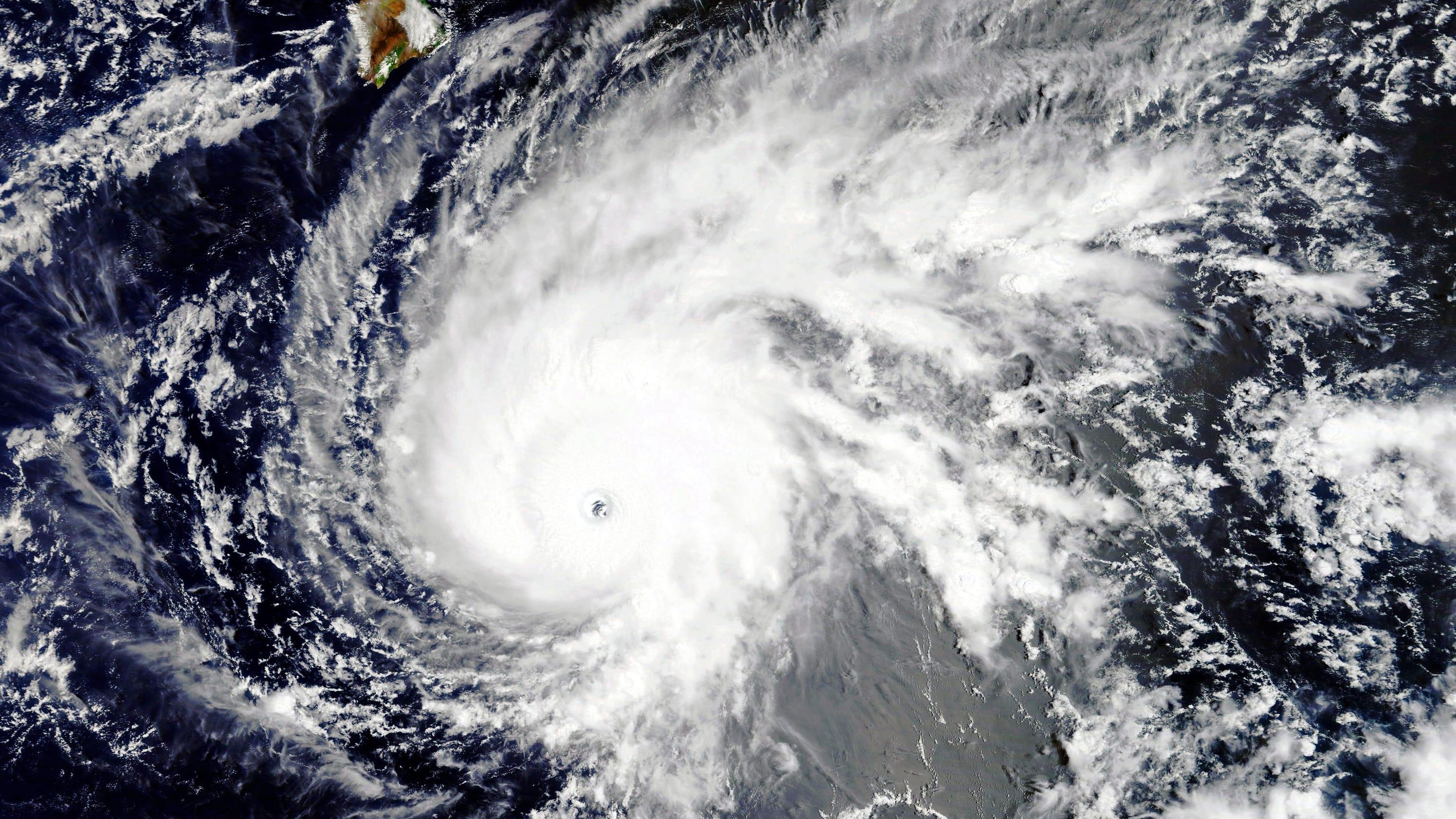 hurricane lane update