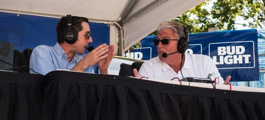 Mike Francesa at Bar A finds a few fans who don\'t hate his new app