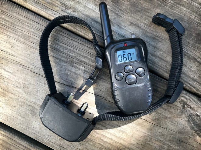 One type of electronic dog collar is operated with a handheld remote that has three settings: an audible tone, vibrate and shock that are chosen manually. The vibrate and shock settings have strengths from 1 to 100.
