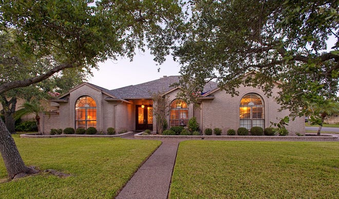 5314 Hulen Dr. sits on a beautifully landscaped corner lot just off Saratoga and Staples in Hunting Park