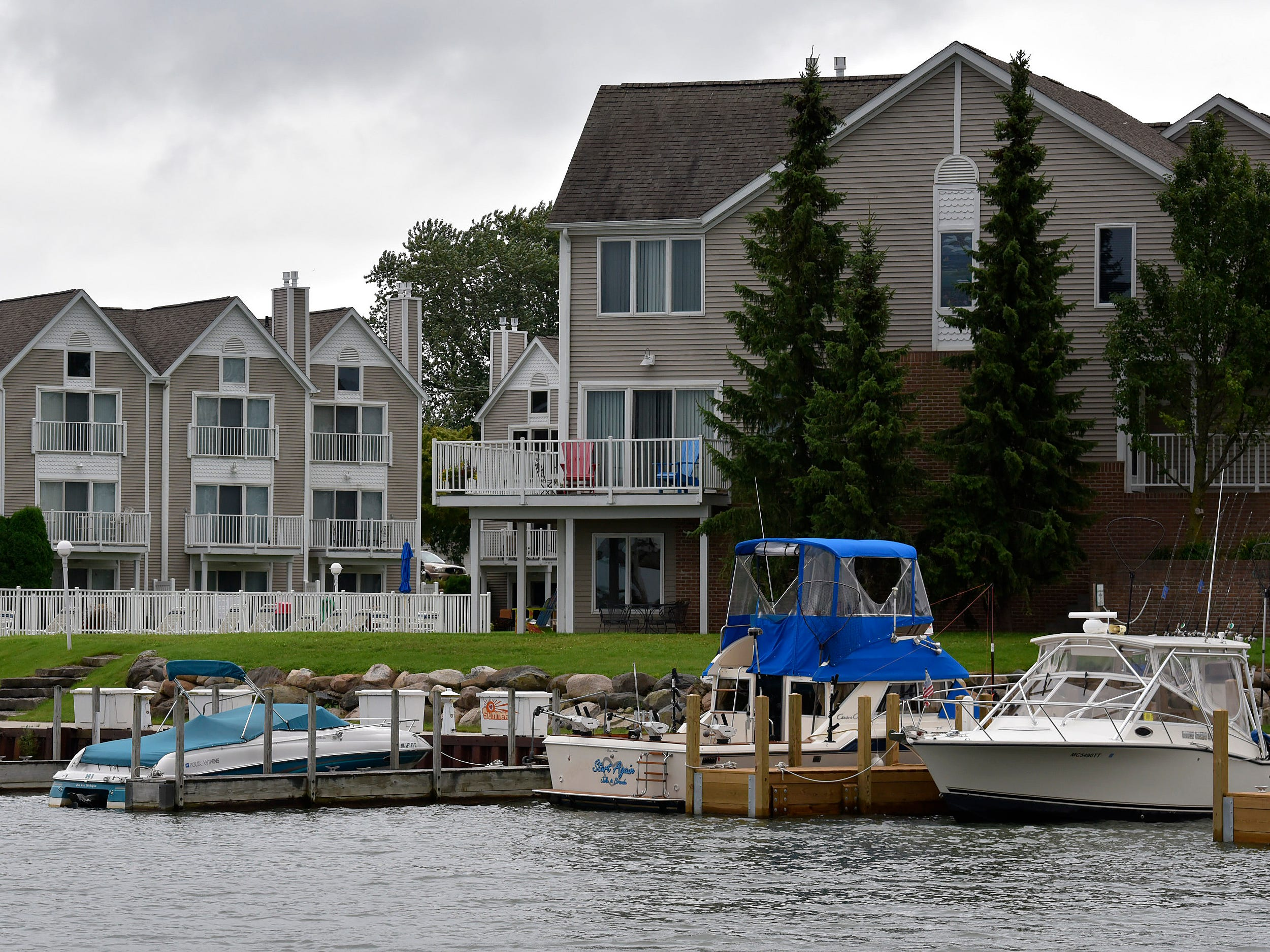 These are the Harbour Pointe Condominiums in Port Austin.