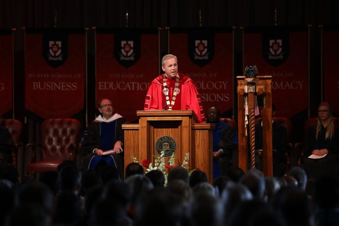 """Union University President Samuel W. """"Dub"""" Oliver speaks at the university's 2018 fall convocation. The university has rescinded the admissions offer of Alex Duron, a prospective graduate student."""