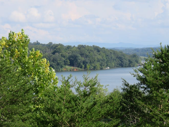 A high spot at Lakeshore Park offers an elevated view of Fort Loudoun Lake.