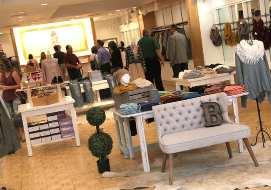 Chickadee by Hannah B Boutique opened its doors to the public in the Richland County Mall on Friday.