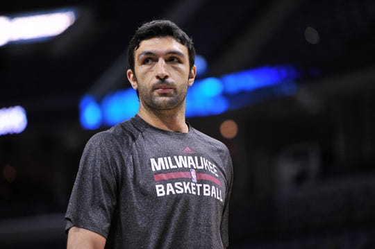 Milwaukee Bucks center Zaza Pachulia warms up before an NBA basketball game against the Memphis Grizzlies Saturday, March 14, 2015, in Memphis, Tenn.