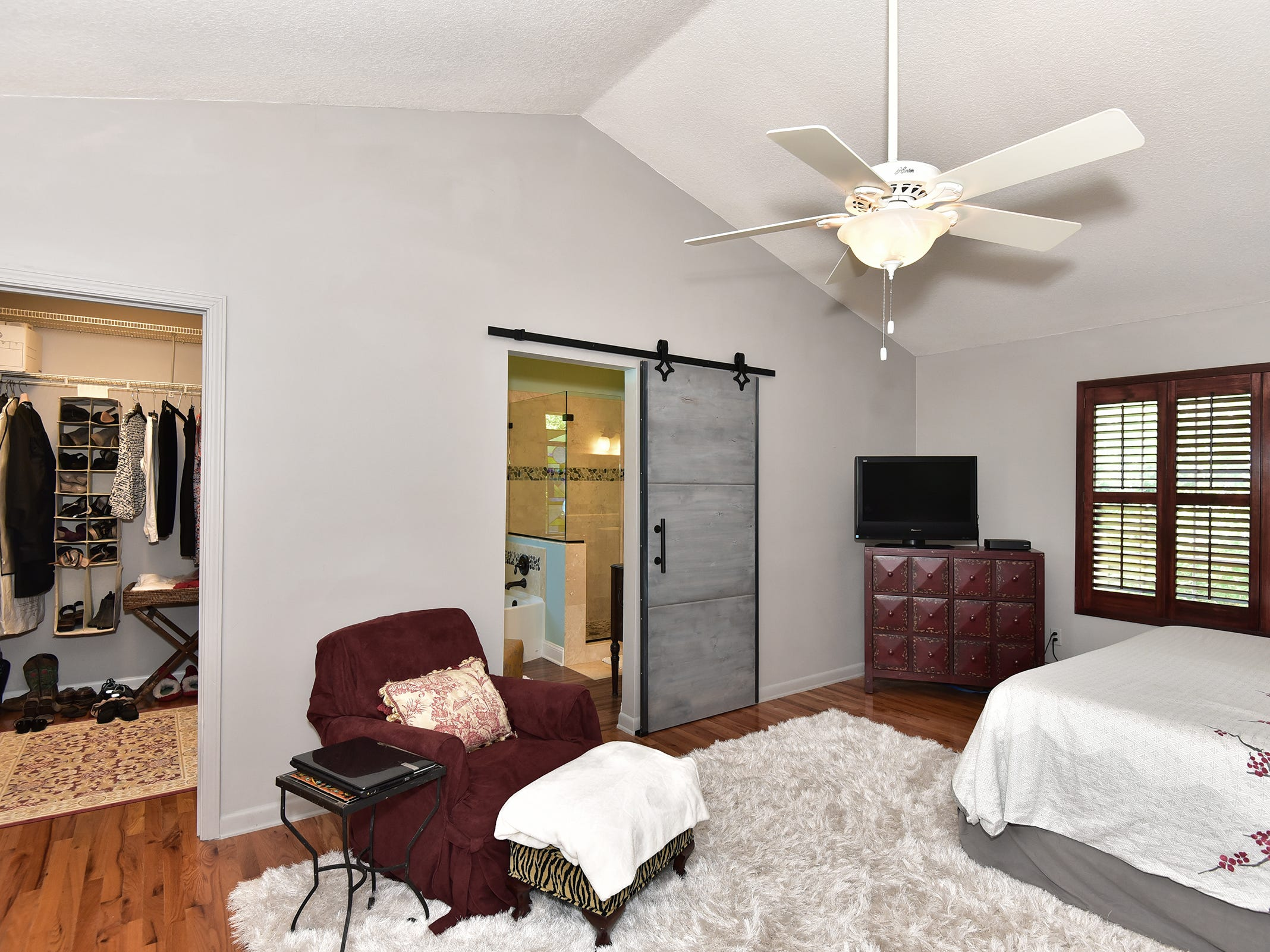 1812 Magnolia Avenue, the master bedroom is a spacious retreat.