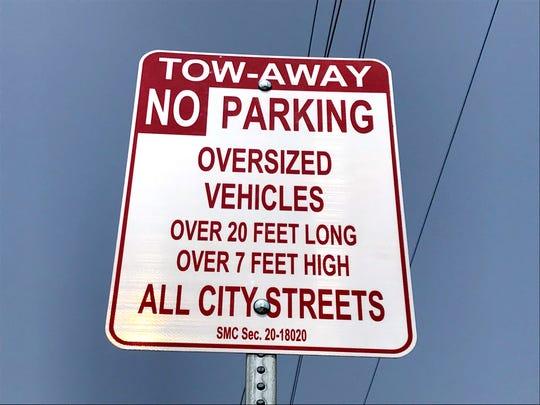 The City of Salinas has posted signage regarding the oversized vehicles ordinance.