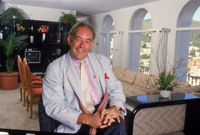 "Robin Leach, host of ""Lifestyles of the Rich and Famous,"" in 1987."
