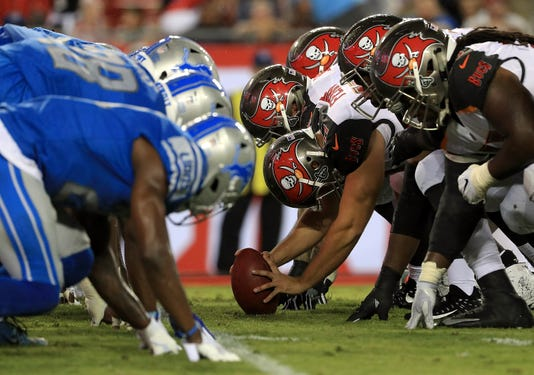 Line of scrimmage, Detroit Lions V Tampa Bay Buccaneers