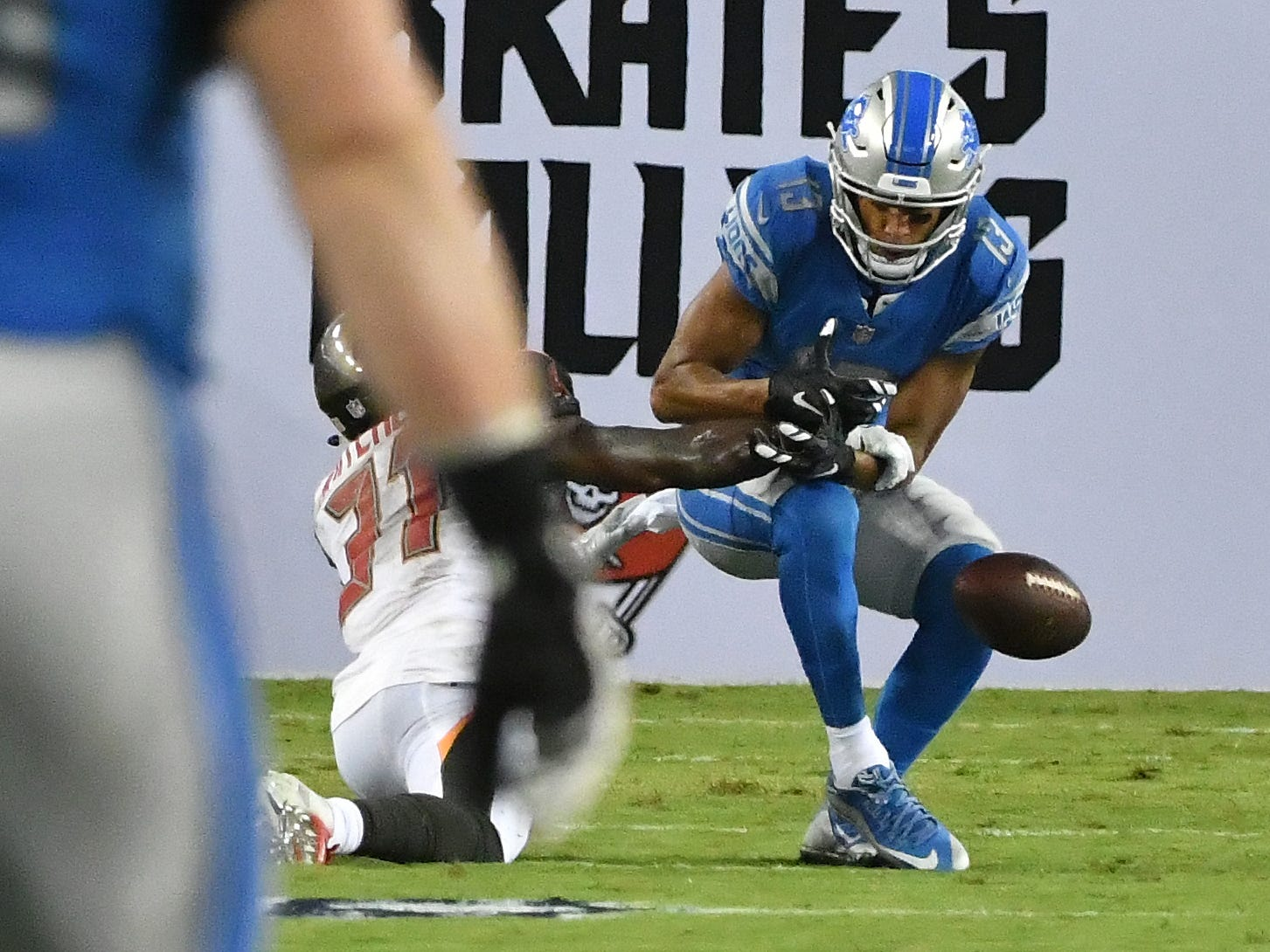 Lions' T.J. Jones can't pull in a reception but Buccaneers' Jordan Whitehead picks up a penalty on the play giving Detroit the first down in the second quarter.