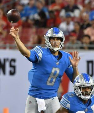 Lions quarterback Matt Cassel passes in the third quarter against the Buccaneers on Friday night.