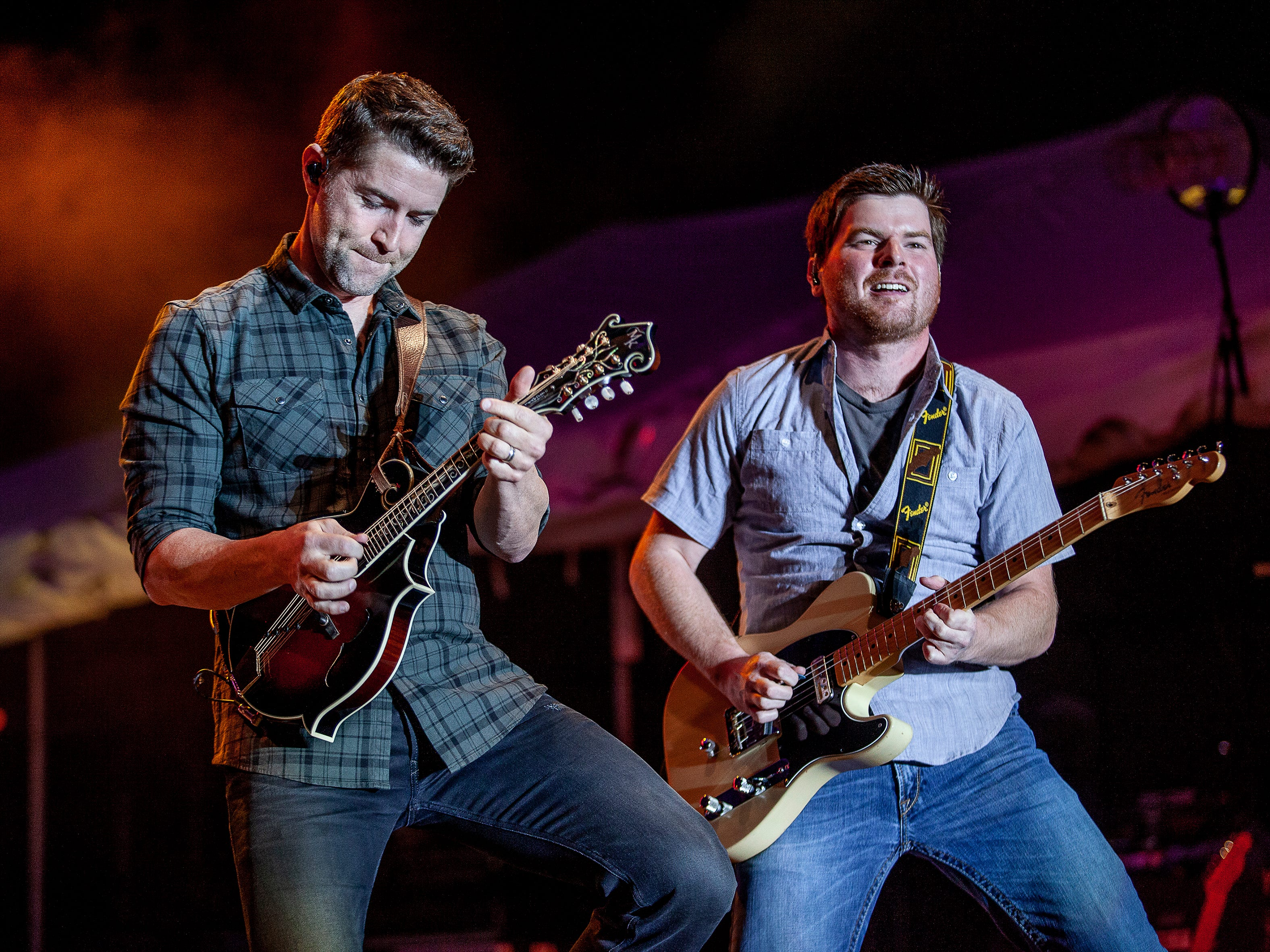 Josh Turner, left, performs at the Kentucky State Fair on Friday, August 24, 2018.