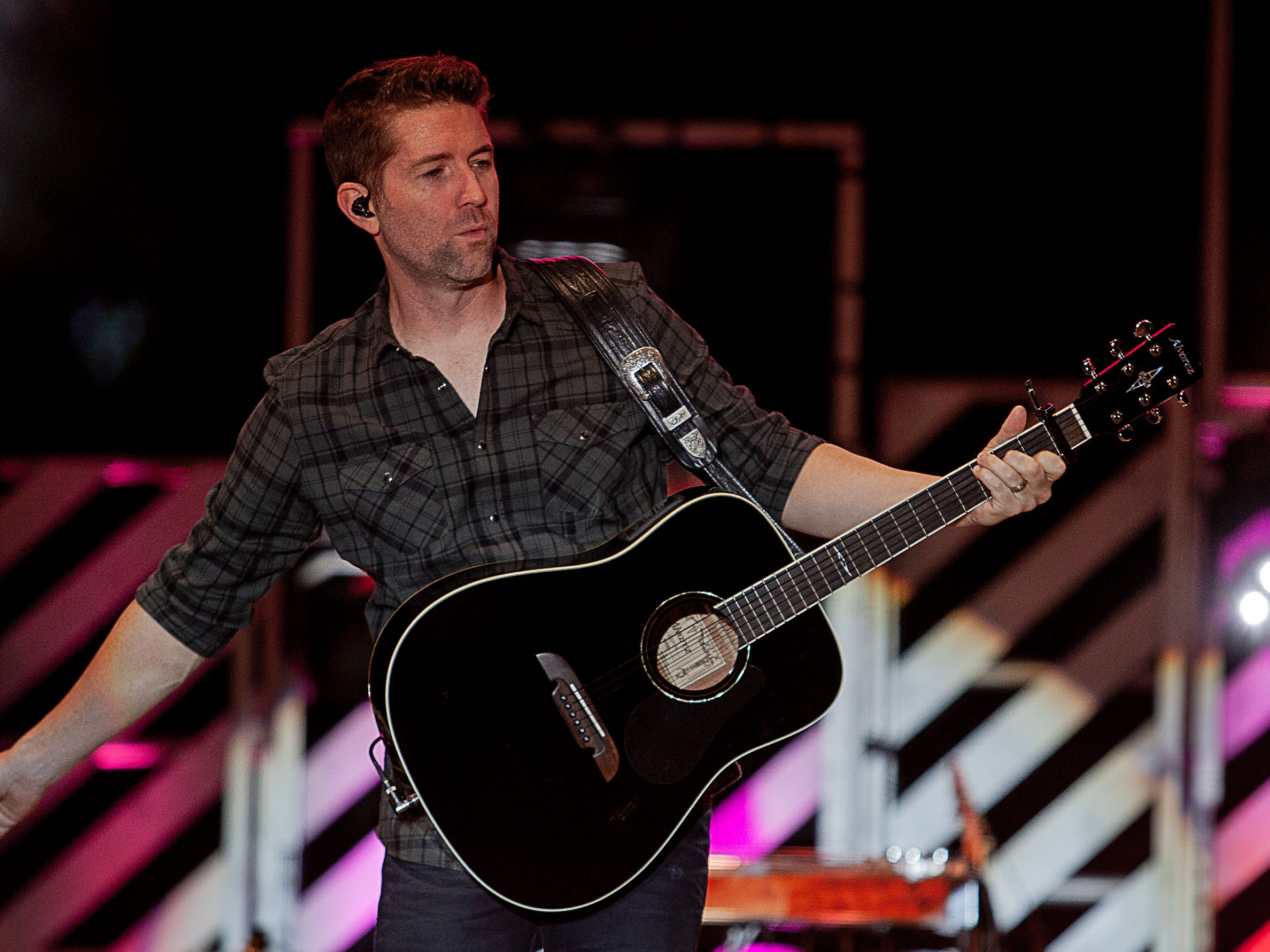 Josh Turner performs at the Kentucky State Fair on Friday, August 24, 2018.