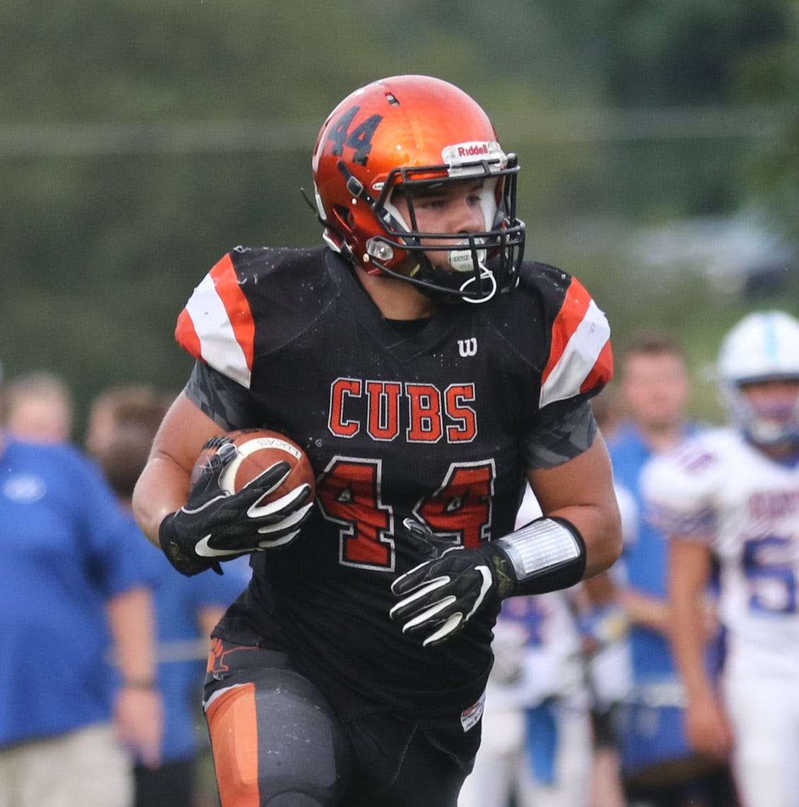 High school football: Grover puts up big numbers for Cubs in win