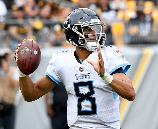 Tennessee Titans quarterback Marcus Mariota (8) looks to pass in the first quarter of an NFL preseason football game against the Pittsburgh Steelers, Saturday, Aug. 25, 2018, in Pittsburgh. (AP Photo/Don Wright)