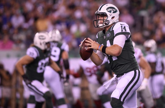 Giants vs. Jets preseason game at MetLife Stadium in East Rutherford on Friday, August 24, 2018. J #14 QB Sam Darnold looks to pass in the first quarter.
