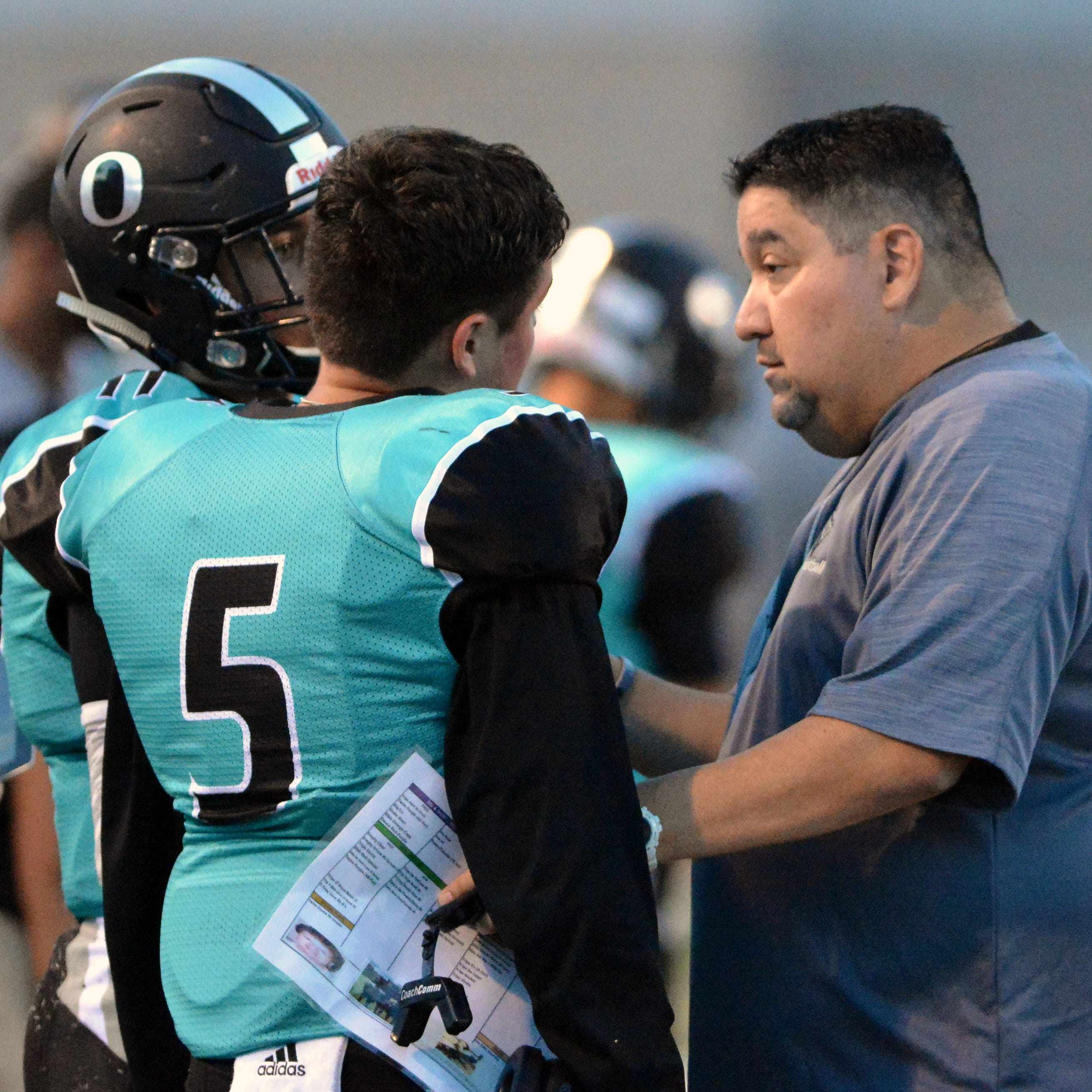 Oñate football coach Scott Veliz resigns after 2 seasons