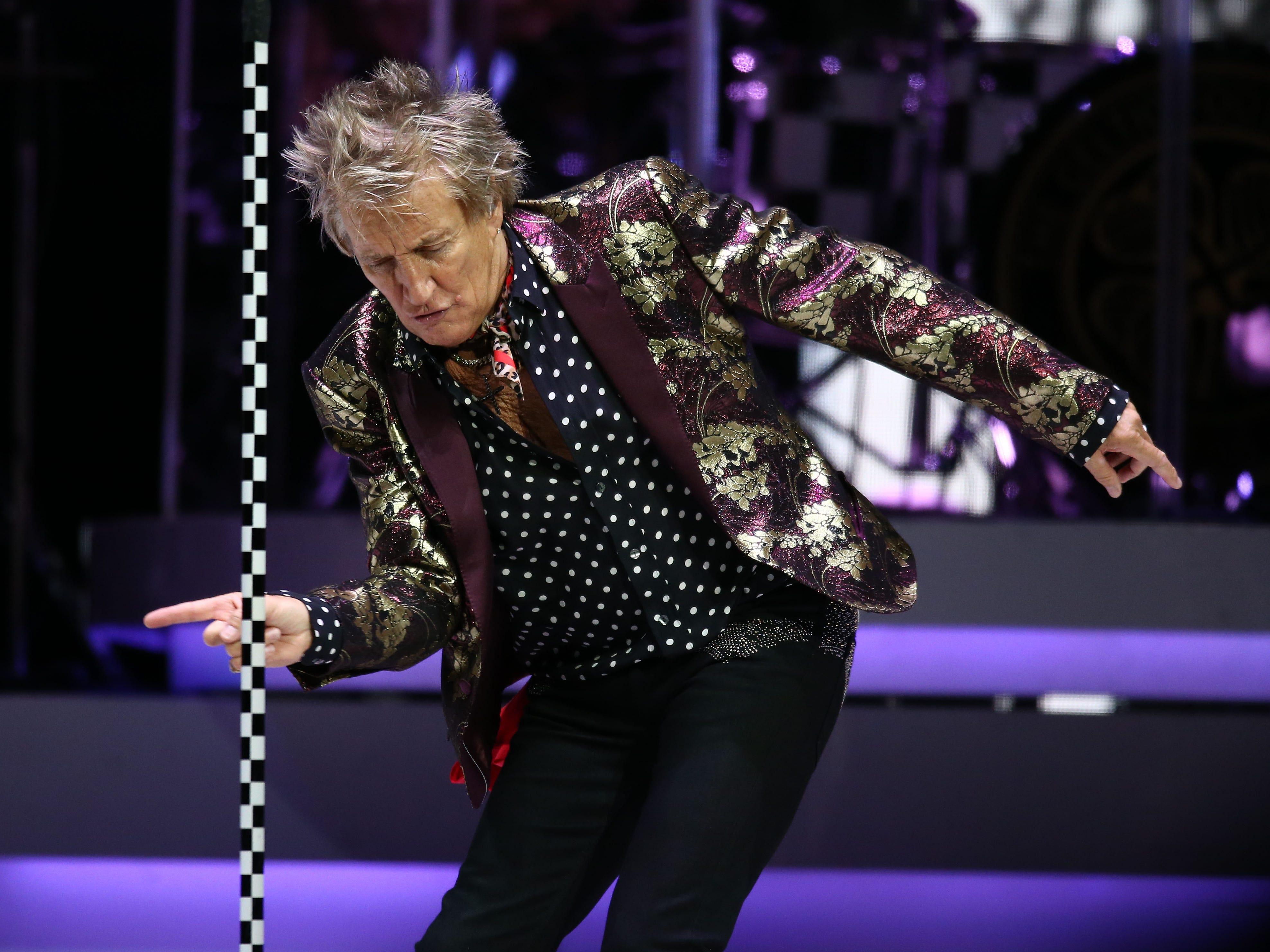 Rod Stewart performs on Aug. 24, 2018, at Talking Stick Resort Arena in Phoenix, Ariz.