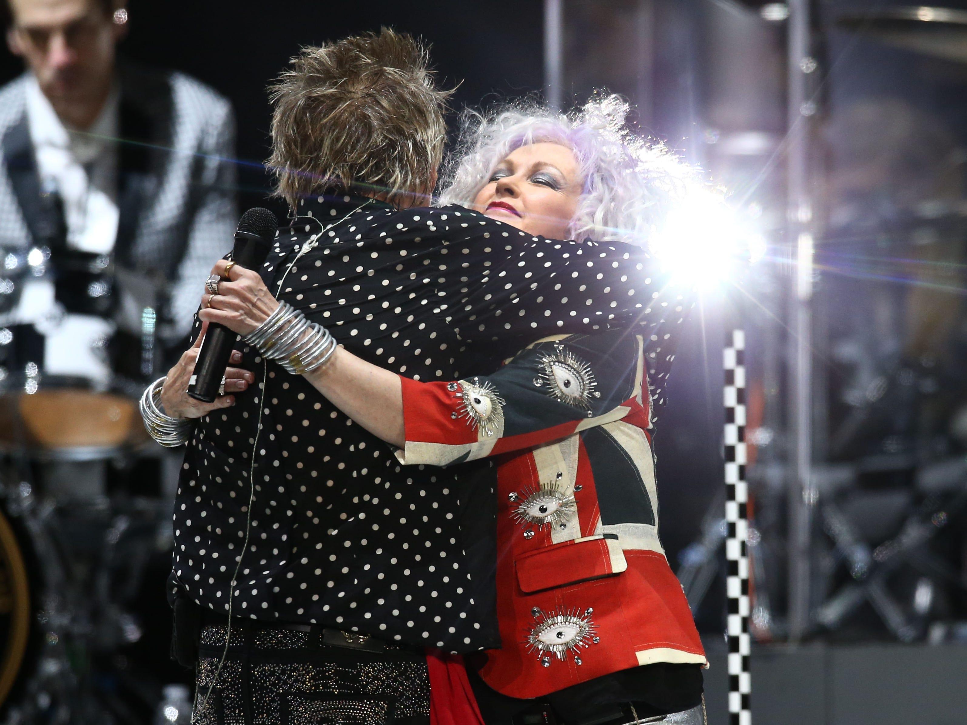 Rod Stewart and Cyndi Lauper perform on Aug. 24, 2018, at Talking Stick Resort Arena in Phoenix, Ariz.