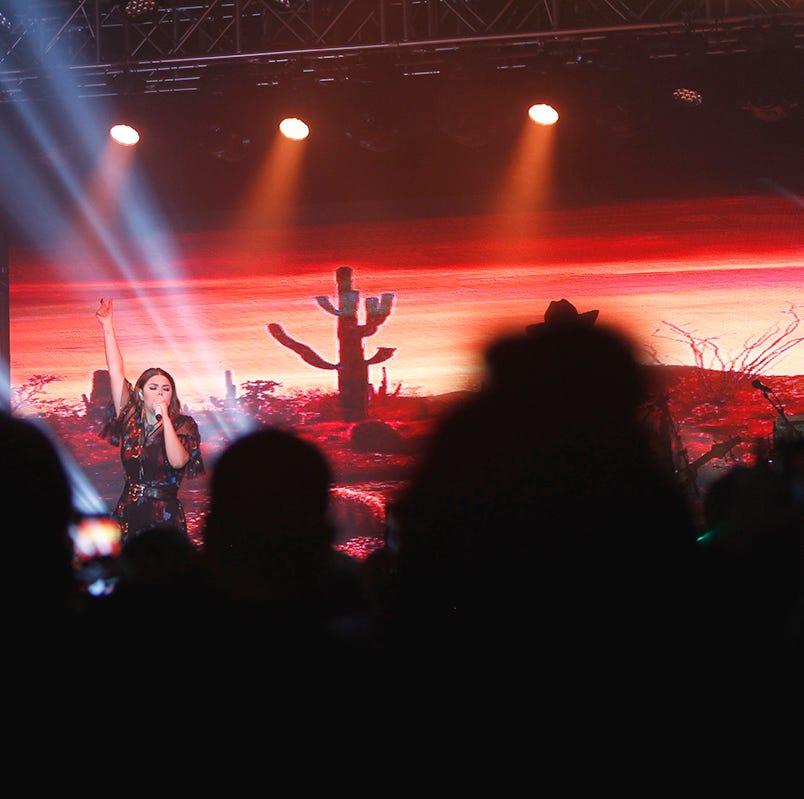 Yuridia triunfa en Phoenix con su Desierto Tour 2018