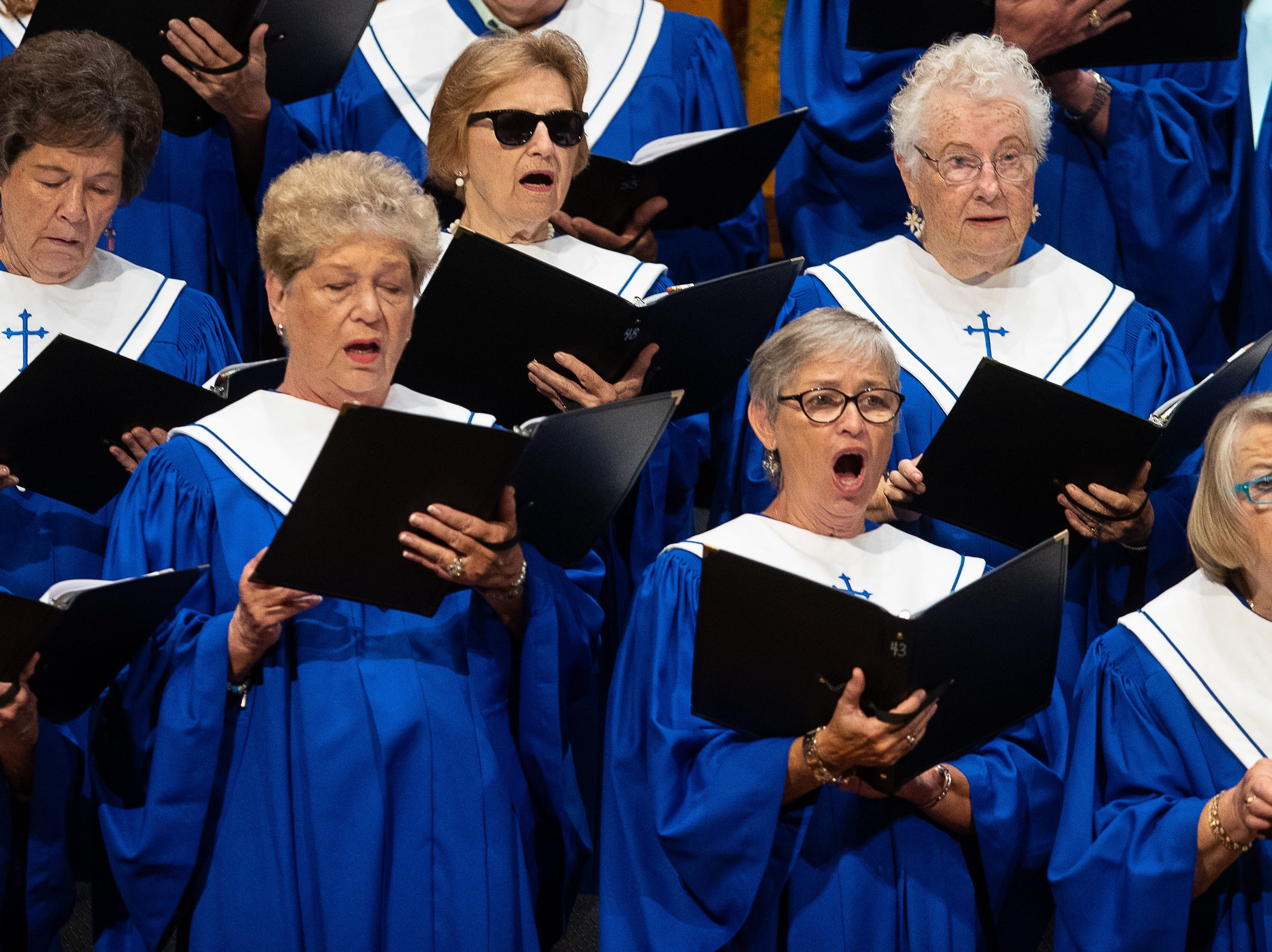 The choir sings at First Baptist Church of Rockport during a Hurricane Harvey anniversary service attended by Gov. Greg Abbott on Sunday, Aug. 26, 2018.