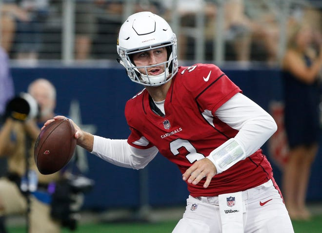 If starting Cardinals QB Sam Bradford doesn't play well, expect early calls from the fans for rookie Josh Rosen to play.