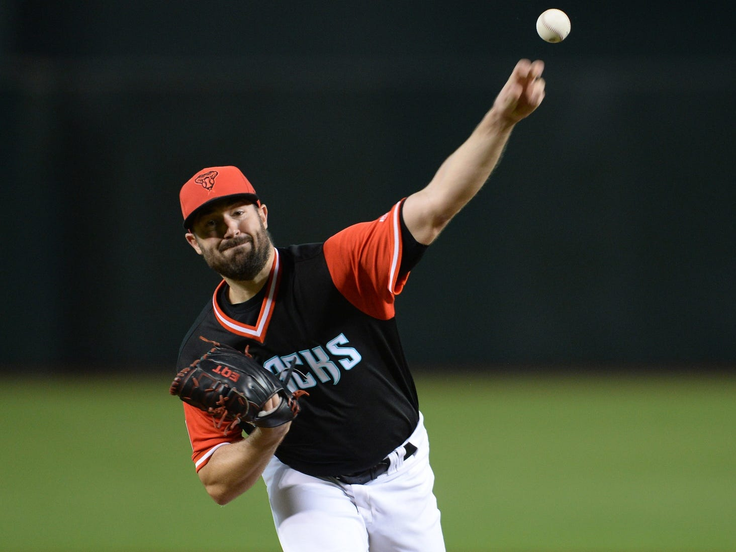 Robbie Ray throughs a pitch against the Seattle Mariners at Chase Field in Phoenix, Ariz., on Aug. 25, 2018.