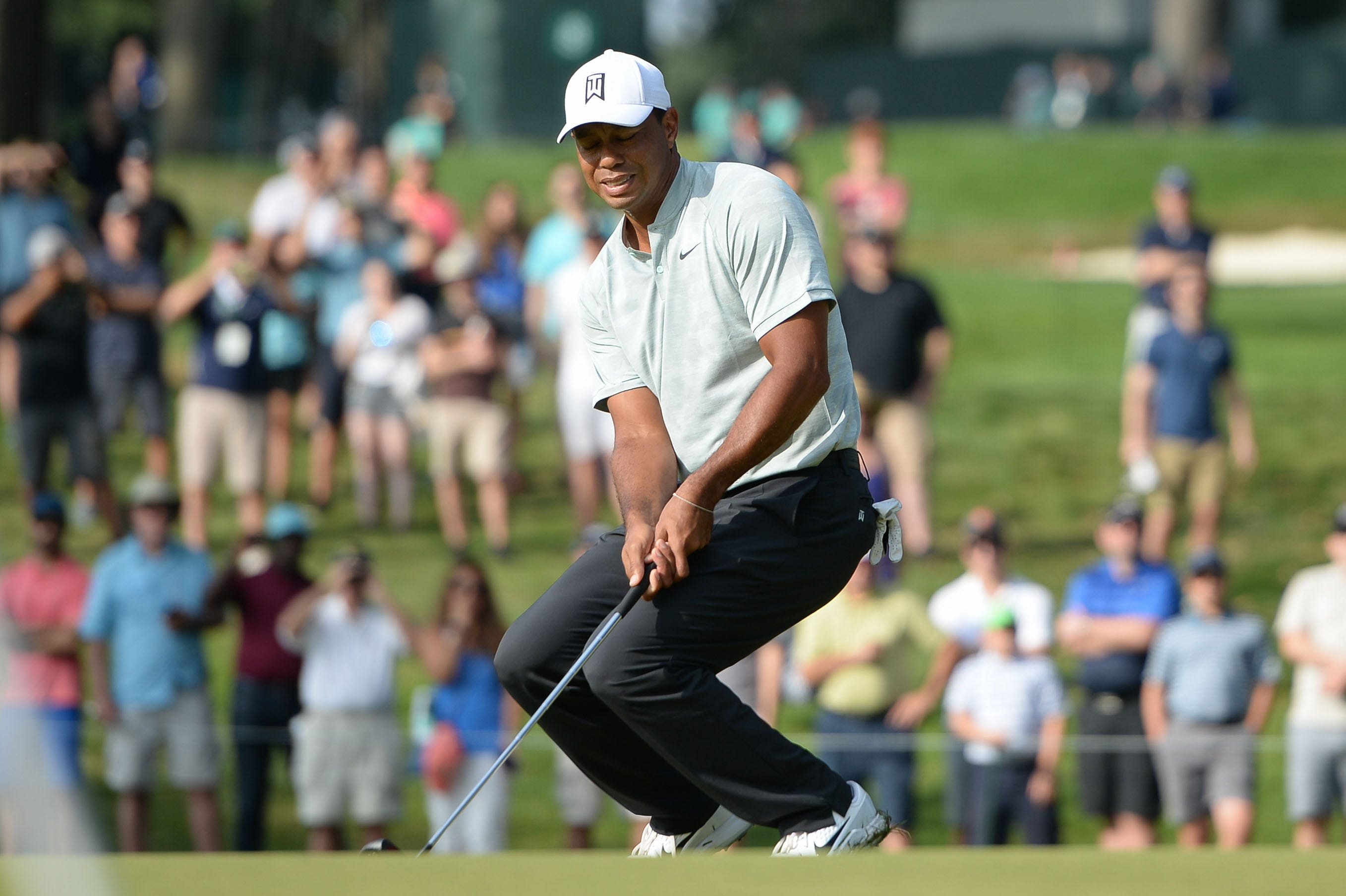 Tiger Tracker: Follow Tiger Woods' Sunday round shot-by-shot at the Northern Trust