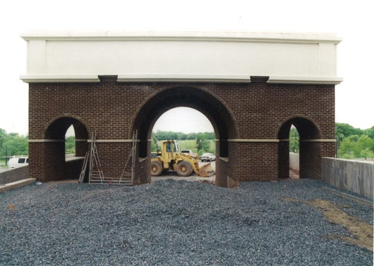 Construction of the RVCC arches in 1998.