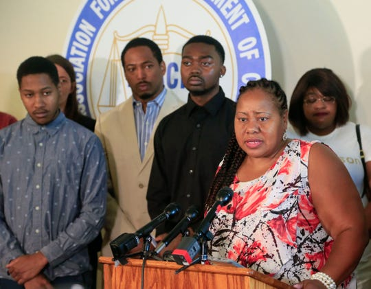 Laural Clinton, mother of Jared Clinton, speaks at a press conference Aug. 27, 2018, after her son and his friend were stopped by Des Moines police near Union Park.