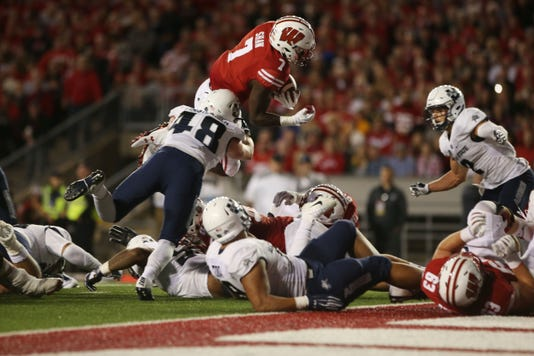 Ncaa Football Utah State At Wisconsin