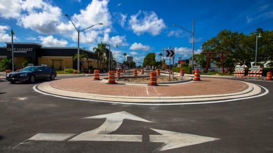 01 Cape Roundabout