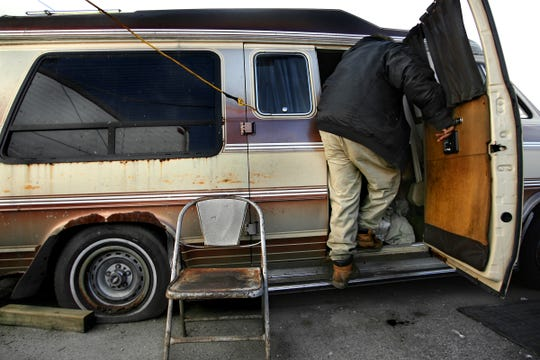 Thelmon Green, exits his van, December 16, 2006.