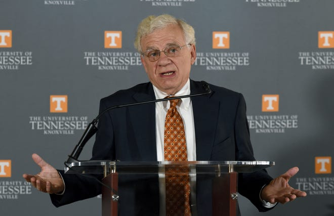 Bill Fox, director of the Boyd Center, announced results of study on the impact of UT related spin din g in Tennessee Monday, August 27, 2018.