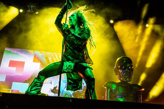 Marilyn Manson and Rob Zombie perform at Ak-Chin Pavilion in Phoenix, Sunday, Aug. 26, 2018.
