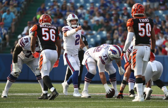 Bills quarterback Nathan Peterman making adjustments at the line of scrimmage against the Bengals.