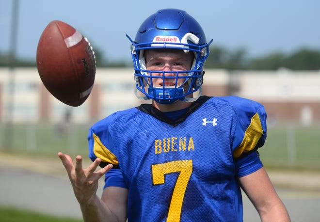 Buena's Luke Santiago (7) takes over as the team's new quarterback this season.