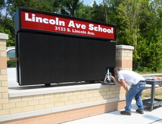 Lincoln Avenue School