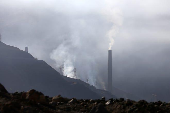 "Chile's ""El Teniente"" copper mine belches out air pollution."