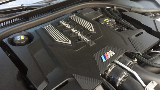 A 600-hp 4.4L bi-turbo V8 is in the 2018 BMW M5.