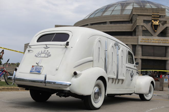 Swanson Funeral's 1940 LaSalle hearse carried the casket of Aretha Franklin to the viewing at the Charles H. Wright Museum of African American History in Detroit on Tuesday, Aug. 28, 2018.  The hearse also carried Rosa Parks' casket.