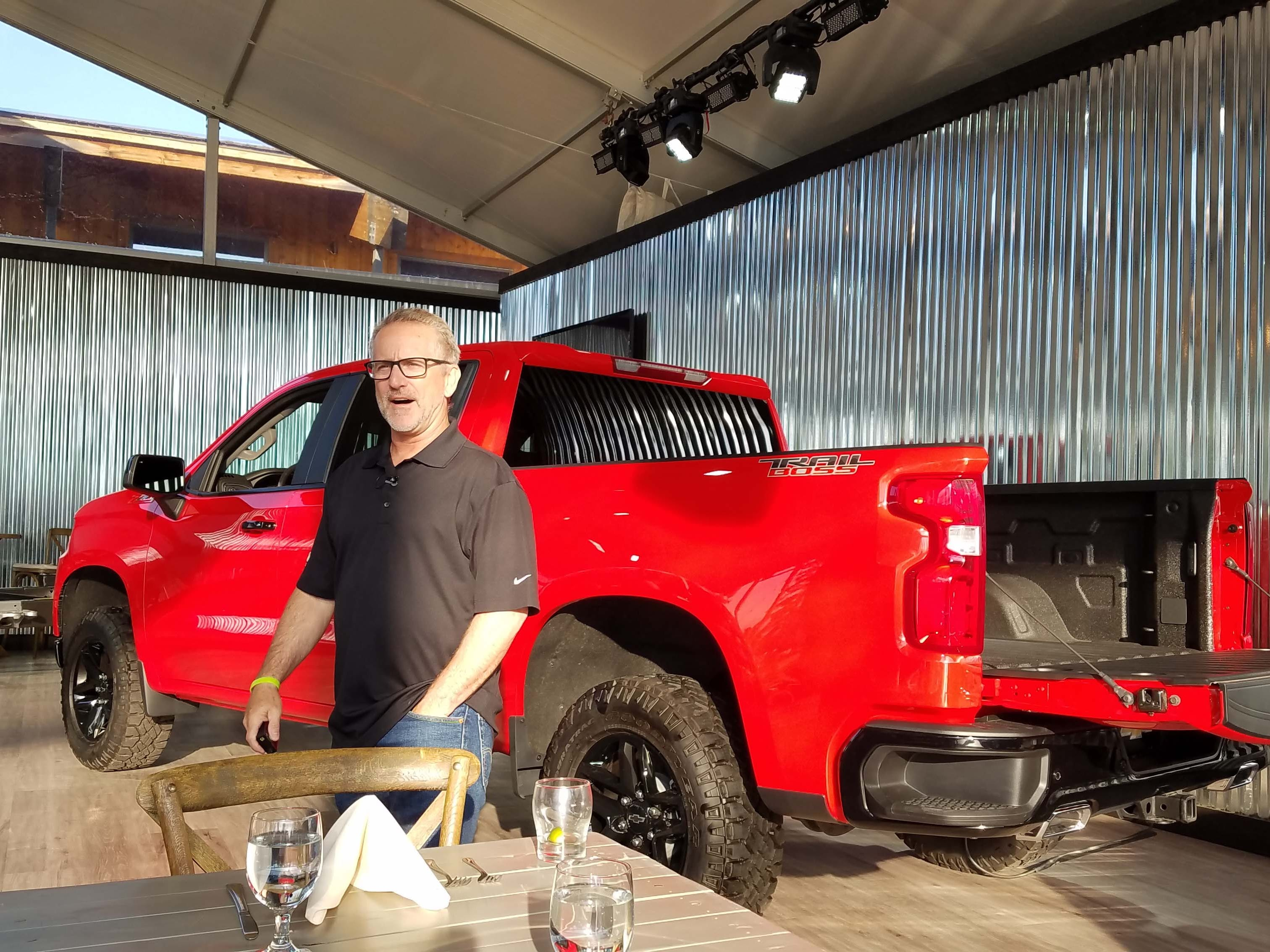 Chief Silverado engineer Tim Herrick holds forth at the Wyoming media launch on the 2019 Chevy Silverado's latest gizmos — including a bigger steel bed, more trailering capability and auto liftgate.
