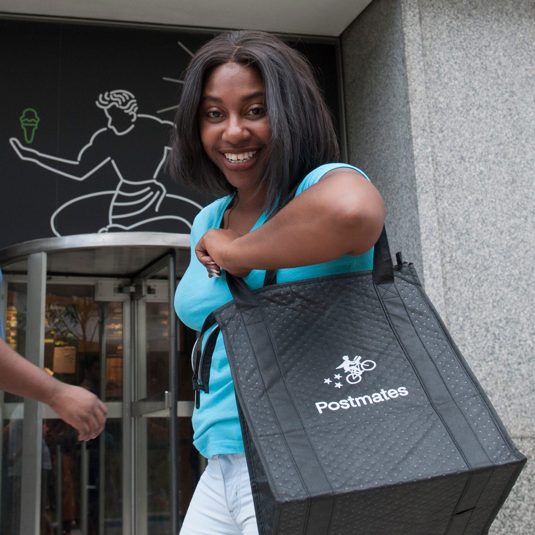 Restaurant delivery apps boost sales in Detroit, bite into profits