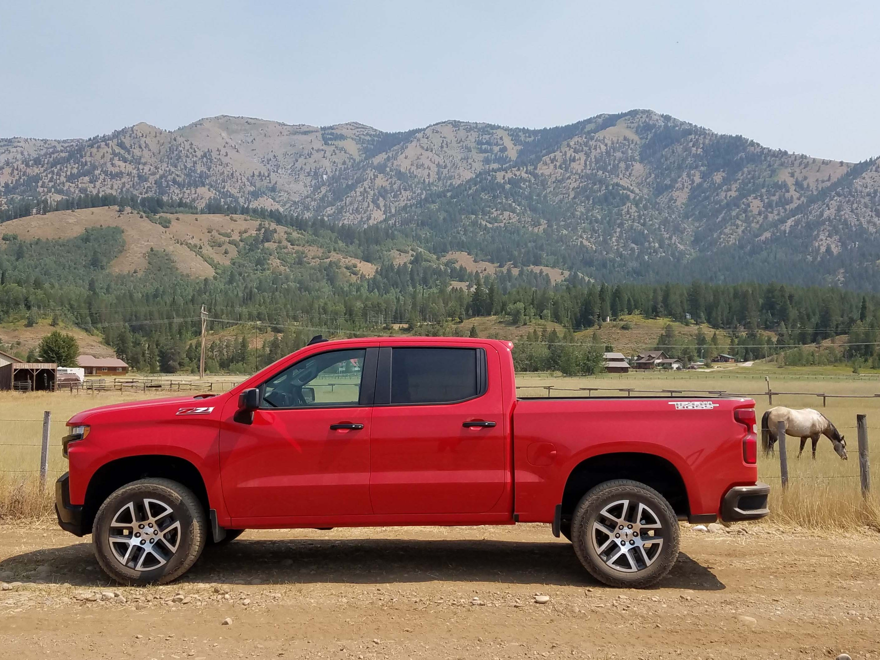 A new, 2019 Chevy Silverado Trail Boss shows off the truck's lean flanks —  replacing the boxy fenders of the previous generation.