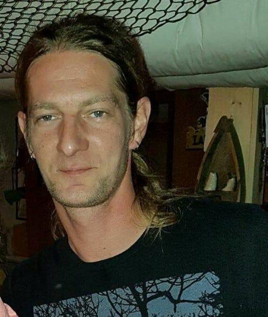 Dennis Wyant