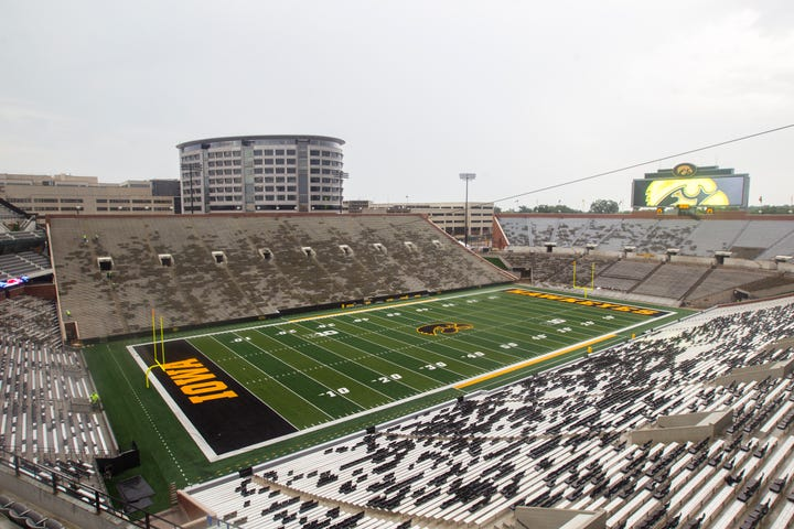Sports writers Chad Leistikow and Danny Lawhon take a look at the Hawkeyes' season opener against Northern Illinois.